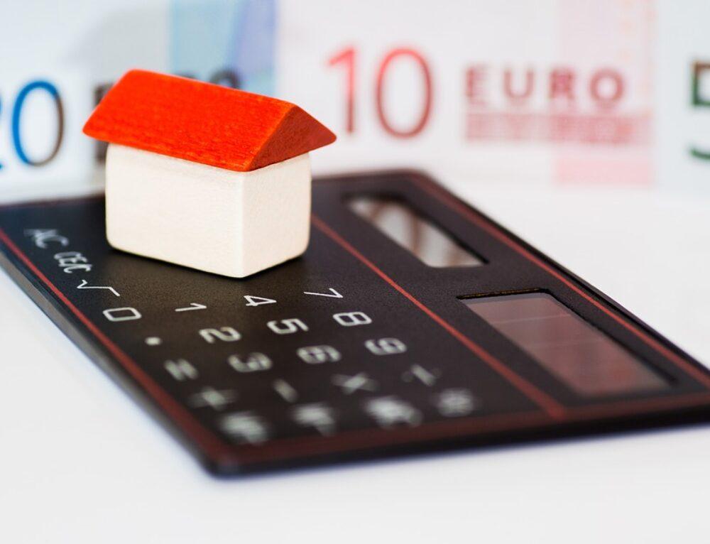 CLÁUSULA SUELO: En los préstamos hipotecarios con profesionales. Nulidad, alcance y efectos